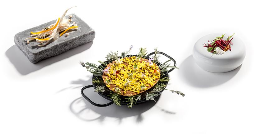 Tisch-Dekoration-Gruene Sosse
