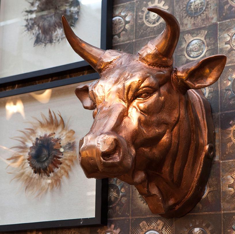 Stier-Kupfer-Wanddeko