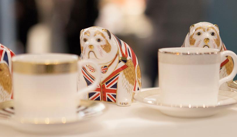 hund-uk-grossbritannien-tasse-gold