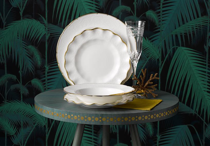 Royal Crown Derby-Gruen-Glamouroes-Palmenstruktur-Geschirr-01