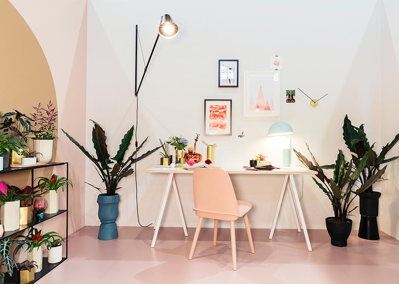 Equalise-harmonious-feminine-interior-Decorative