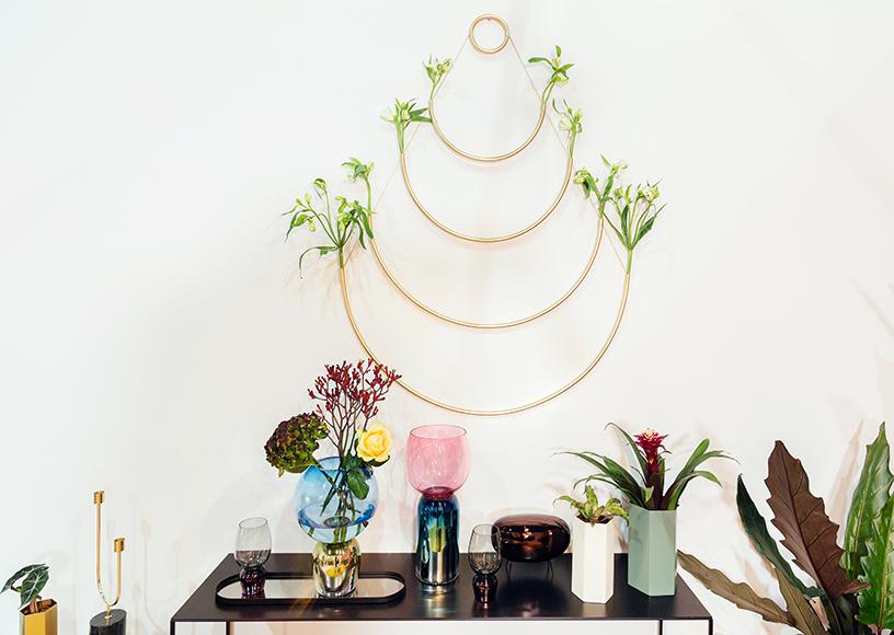 Equalise-romantic-metallic-tones-plants
