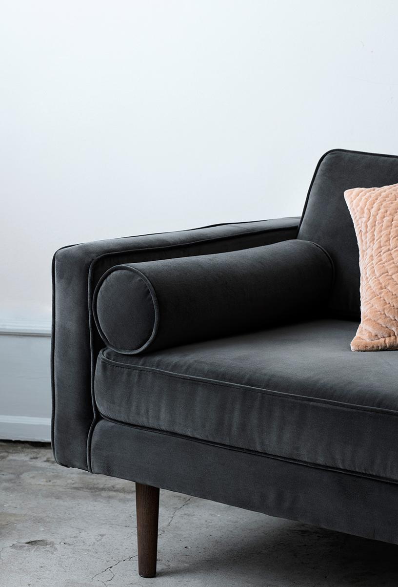 Gray sofa from Broste Copenhagen in the Designsetter flat