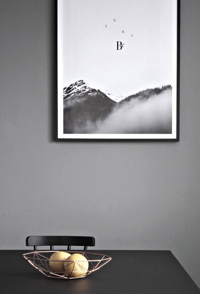 Graues Interior Design in der Designsetter-Wohnung