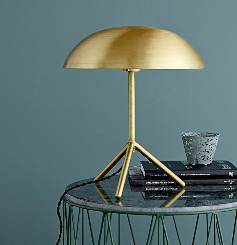 metal gold modern interior decor Lampe von Bloomingville