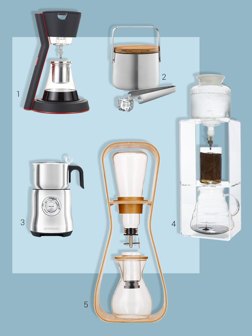 Collage aus cold slow brew Kaffeezubehör-Produkten von Ausstellern der Ambiente Messe
