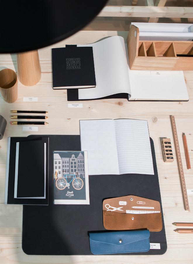 Schreibtisch-Accessoires von Mark's Japan und Umbra bei der Trendpräsentation Modest Regenerations auf der Ambiente 2018