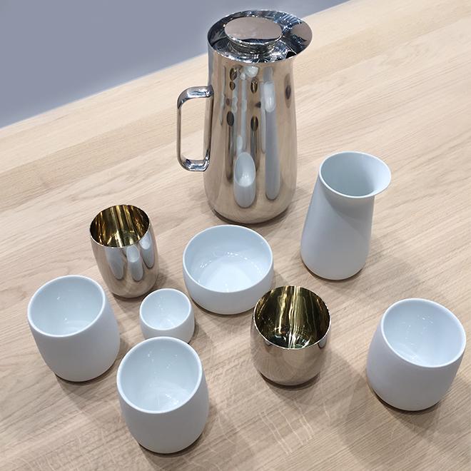 Kaffeekanne und Tassen von Norman Foster für Stelton auf der Ambiente 2018