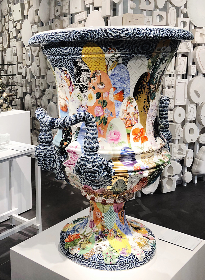Vase with historical patterns from Meissen at Ambiente 2018