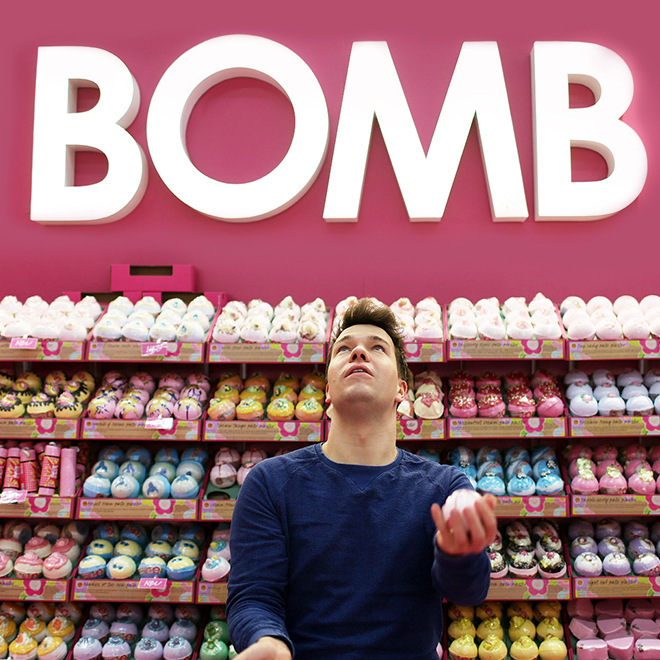 Man with bath blaster at the stand of Bomb Cosmetics at Ambiente 2018