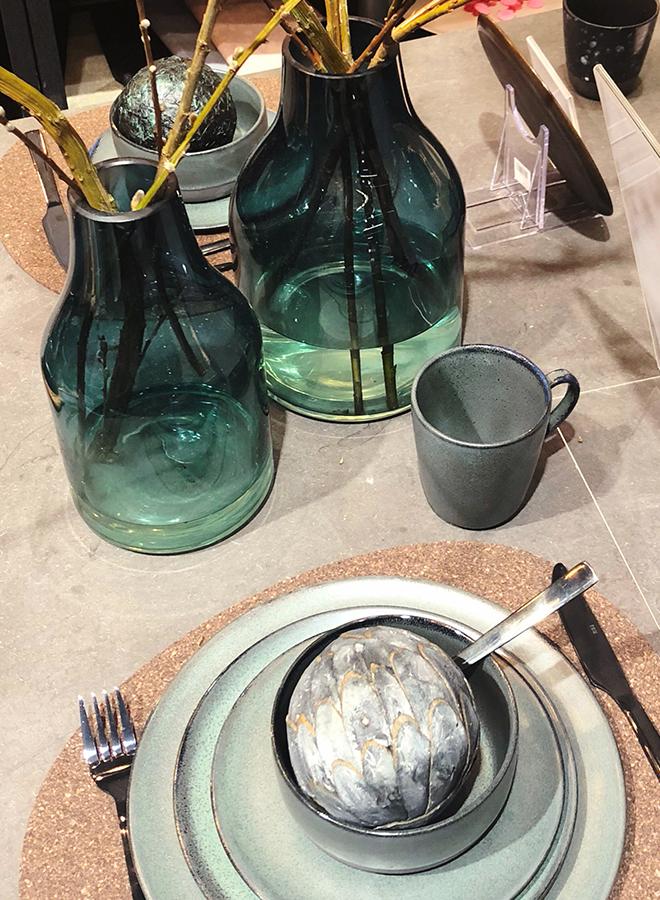 Geschirr, Besteck und Vasen von Aida Denmark auf der Ambiente 2018