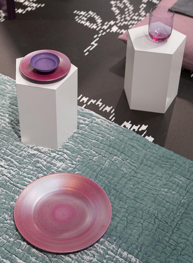 Glas von Nude und Teller von Ryota Aoki Pottery auf der Ambiente 2018