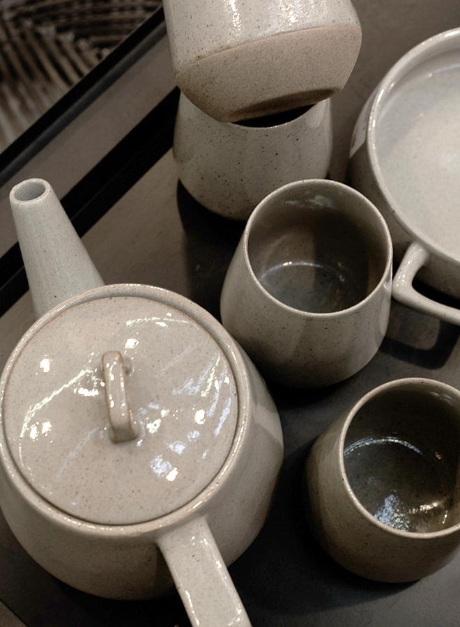 Keramik-Geschirr von Hübsch auf der Ambiente 2018