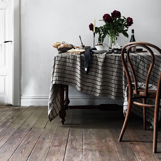 Interior mit Tischwäsche aus Leinen von Lovely Linen