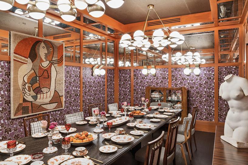 Gedeckter Tisch im San Francisco Proper Hotel, Design von Kelly Wearstler