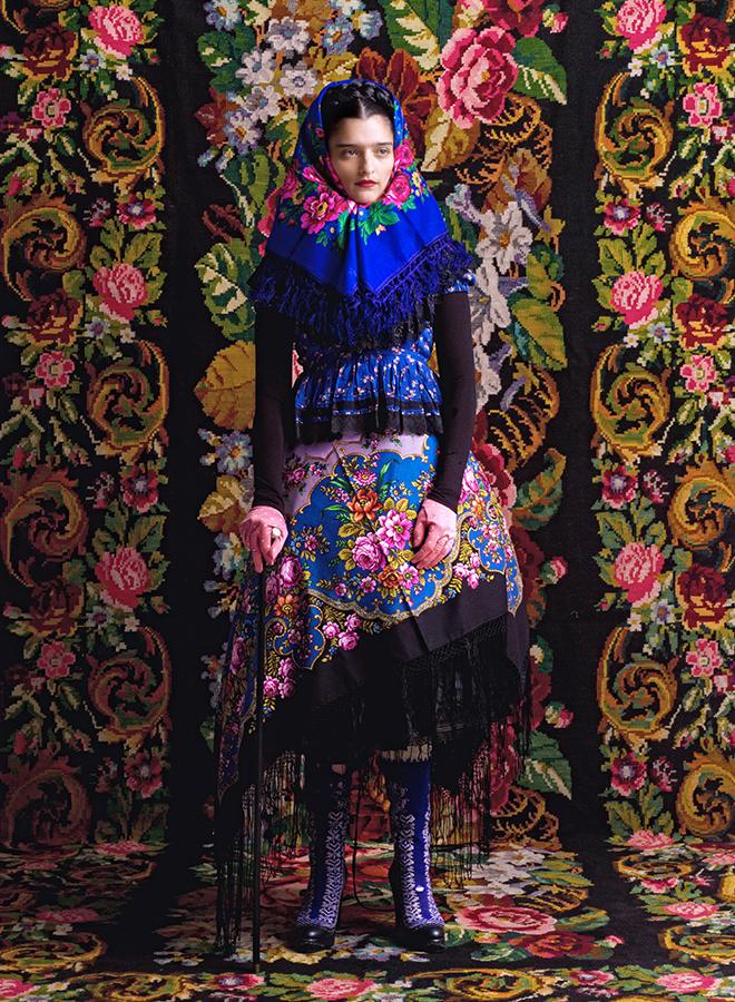 Outfit aus der Frida-Kollektion der Wiener Designerin Susanne Bisovsky, fotografiert von Wolfgang Zajc