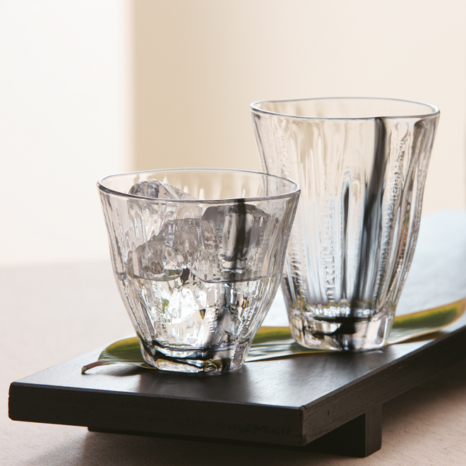 Two glasses with an interesting structure by Toyo Sasaki